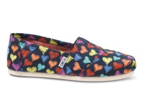 toms-shoes-heart