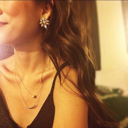 mas-femme, gold-necklace